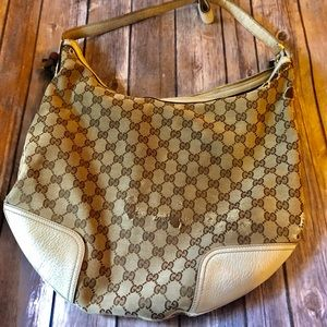 Authentic vintage Gucci handbag (offers accepted)